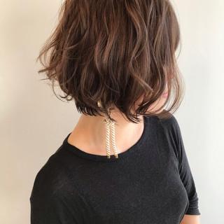 パーマ ハンサムショート ショートボブ ショート ヘアスタイルや髪型の写真・画像