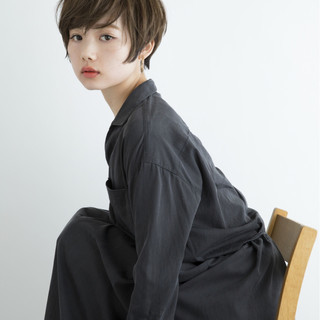 ショート フリンジバング ナチュラル 似合わせ ヘアスタイルや髪型の写真・画像