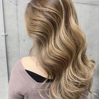 外国人風カラー ミルクティーベージュ ストリート 外国人風 ヘアスタイルや髪型の写真・画像