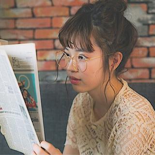 フェミニン 簡単ヘアアレンジ セミロング ワイドバング ヘアスタイルや髪型の写真・画像