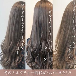 ベージュ セミロング フェミニン ミルクティーグレージュ ヘアスタイルや髪型の写真・画像