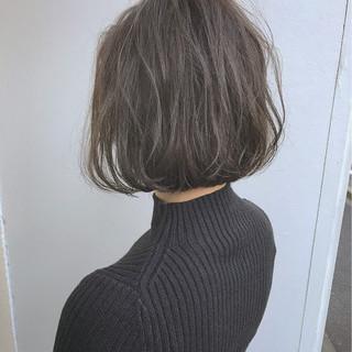 ハイライト パーマ ボブ オフィス ヘアスタイルや髪型の写真・画像