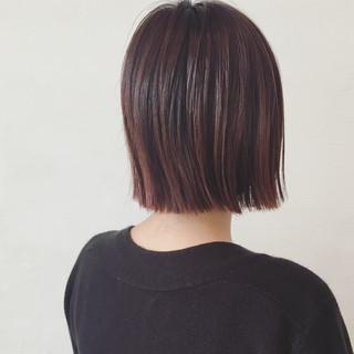 レッド 切りっぱなし ボブ グラデーションカラー ヘアスタイルや髪型の写真・画像