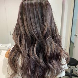 色持ち ミディアム バレイヤージュ フェミニン ヘアスタイルや髪型の写真・画像