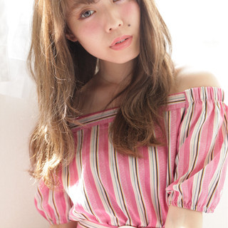 アンニュイ 小顔 アッシュ 秋 ヘアスタイルや髪型の写真・画像