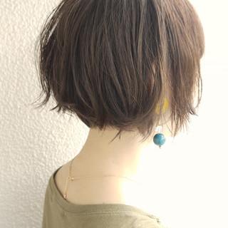 小顔 アッシュグレージュ マッシュMIX ナチュラル ヘアスタイルや髪型の写真・画像
