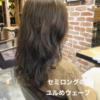 ゆるふわパーマ セミロング デジタルパーマ アンニュイほつれヘア ヘアスタイルや髪型の写真・画像