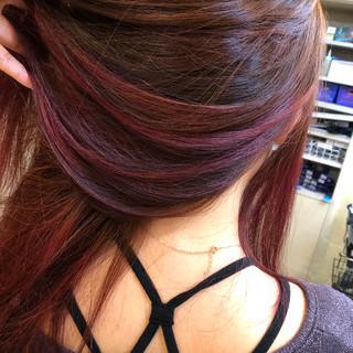 モード ロング インナーカラー レッド ヘアスタイルや髪型の写真・画像