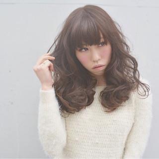 グレージュ 外国人風カラー ハイトーン アッシュ ヘアスタイルや髪型の写真・画像