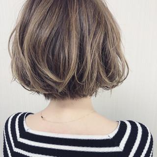 モード ハイライト ボブ ヘアスタイルや髪型の写真・画像