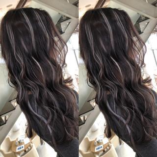 波ウェーブ ナチュラル ハイライト ロング ヘアスタイルや髪型の写真・画像