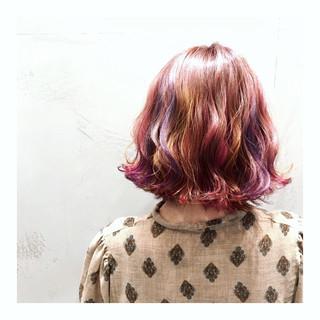 ピンク ボブ ダブルカラー イエロー ヘアスタイルや髪型の写真・画像