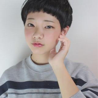 ベリーショート ショート ストリート 小顔 ヘアスタイルや髪型の写真・画像