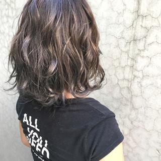 ハイライト ストリート アッシュ グラデーションカラー ヘアスタイルや髪型の写真・画像