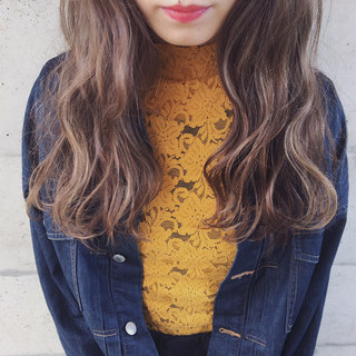 アッシュ ミルクティー ロング アッシュバイオレット ヘアスタイルや髪型の写真・画像