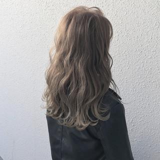 ストリート グレージュ アッシュベージュ アッシュグレージュ ヘアスタイルや髪型の写真・画像