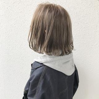 ストリート アッシュグレージュ ハイライト ボブ ヘアスタイルや髪型の写真・画像