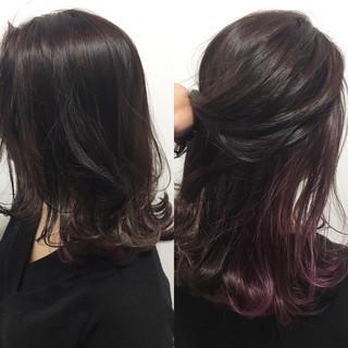 インナーカラー レッド セミロング 色気 ヘアスタイルや髪型の写真・画像