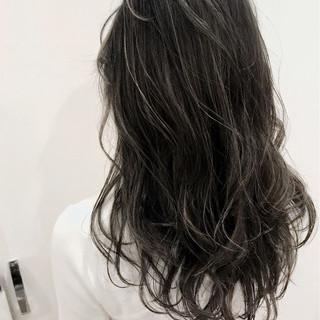 外国人風 バレイヤージュ セミロング ナチュラル ヘアスタイルや髪型の写真・画像