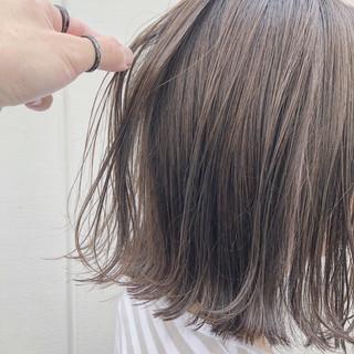 ボブ 透明感カラー 切りっぱなしボブ ニュアンスヘア ヘアスタイルや髪型の写真・画像