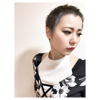 ベリーショート かっこいい ショート 個性的 ヘアスタイルや髪型の写真・画像
