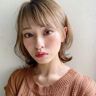 ミディアム 大人かわいい 外はね デジタルパーマ ヘアスタイルや髪型の写真・画像