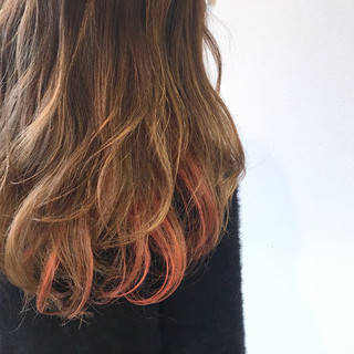 ミルクティー インナーカラー 夏 春 ヘアスタイルや髪型の写真・画像