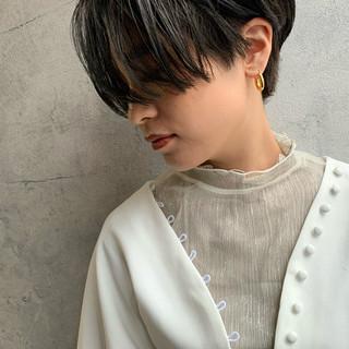 ハンサムショート ショート 刈り上げショート モード ヘアスタイルや髪型の写真・画像
