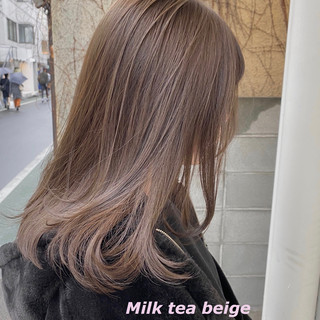 ミルクティーグレージュ ミルクティーベージュ イルミナカラー 切りっぱなしボブ ヘアスタイルや髪型の写真・画像