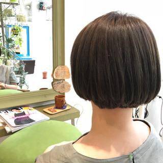 ショートボブ オフィス ボブ ナチュラル ヘアスタイルや髪型の写真・画像