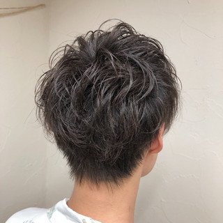 メンズパーマ ナチュラル メンズカット ショート ヘアスタイルや髪型の写真・画像