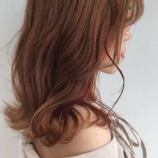 ガーリー ベージュ 透明感カラー セミロング ヘアスタイルや髪型の写真・画像