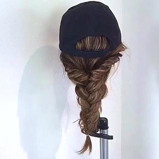 キャップ 編み込み ロング デート ヘアスタイルや髪型の写真・画像