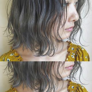 秋 透明感 ナチュラル グレージュ ヘアスタイルや髪型の写真・画像