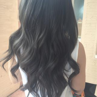 ストリート ハイライト 暗髪 グレージュ ヘアスタイルや髪型の写真・画像