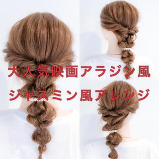 編み込み ロング フェミニン 簡単ヘアアレンジ ヘアスタイルや髪型の写真・画像