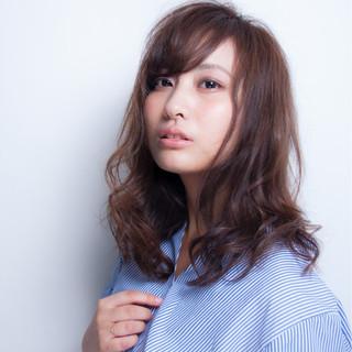 アンニュイ 透明感 こなれ感 ナチュラル ヘアスタイルや髪型の写真・画像