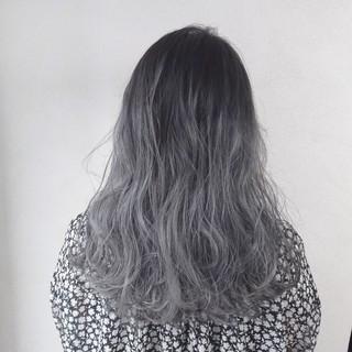 グレージュ ロング 外国人風 アッシュ ヘアスタイルや髪型の写真・画像
