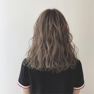 ヘアアレンジ セミロング ゆるふわ ハイライト ヘアスタイルや髪型の写真・画像