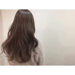 ロング ナチュラル アッシュ ニュアンス ヘアスタイルや髪型の写真・画像