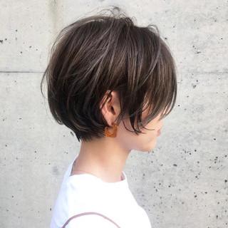 ショート ハイライト ナチュラル リラックス ヘアスタイルや髪型の写真・画像