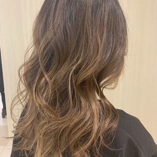 ロング 巻き髪 かわいい ヘアアレンジ ヘアスタイルや髪型の写真・画像