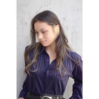 アッシュ グレージュ 外国人風カラー ロング ヘアスタイルや髪型の写真・画像