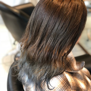 グラデーションカラー ナチュラル セミロング シルバー ヘアスタイルや髪型の写真・画像