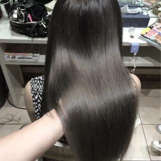 ロング ガーリー 外国人風カラー グレージュ ヘアスタイルや髪型の写真・画像