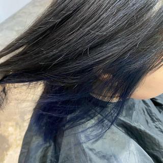 インナーカラー ミディアム ダブルカラー ブルー ヘアスタイルや髪型の写真・画像