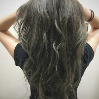 ストリート イルミナカラー 外国人風 ロング ヘアスタイルや髪型の写真・画像