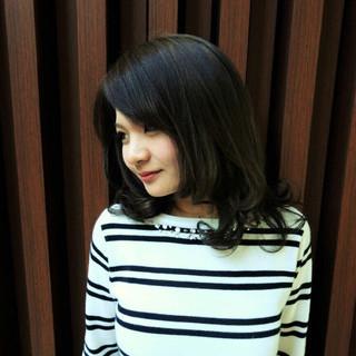 黒髪 前髪あり 暗髪 セミロング ヘアスタイルや髪型の写真・画像