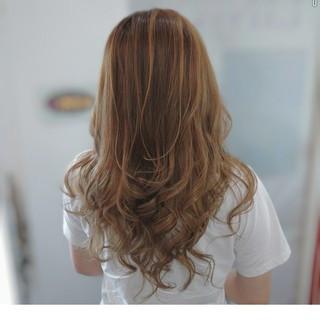 コンサバ ハイライト セミロング 大人ハイライト ヘアスタイルや髪型の写真・画像