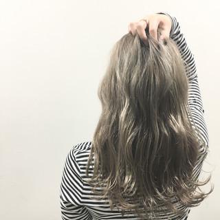 ハイライト ブラウン ストリート ロング ヘアスタイルや髪型の写真・画像